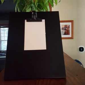 Picture frame / picture holder with clip